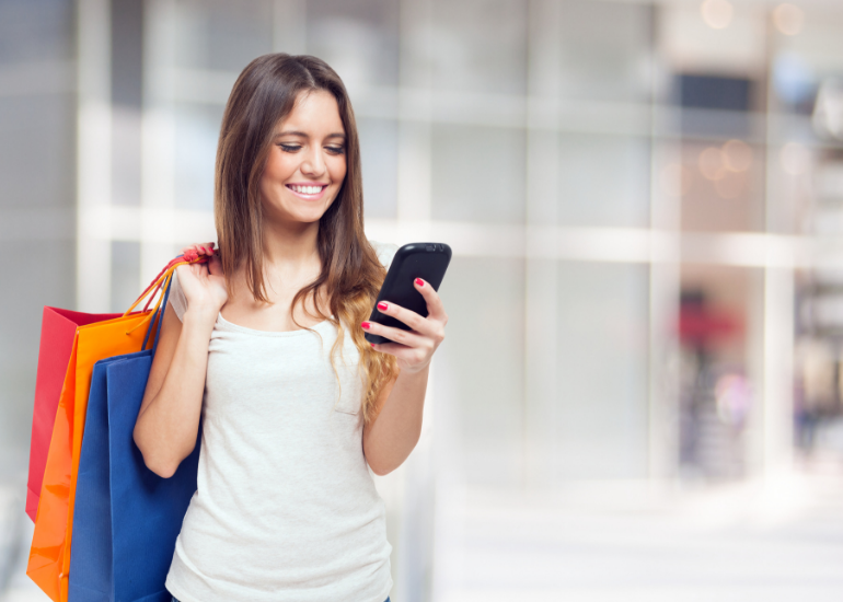 Empowering retail employees with mobile device